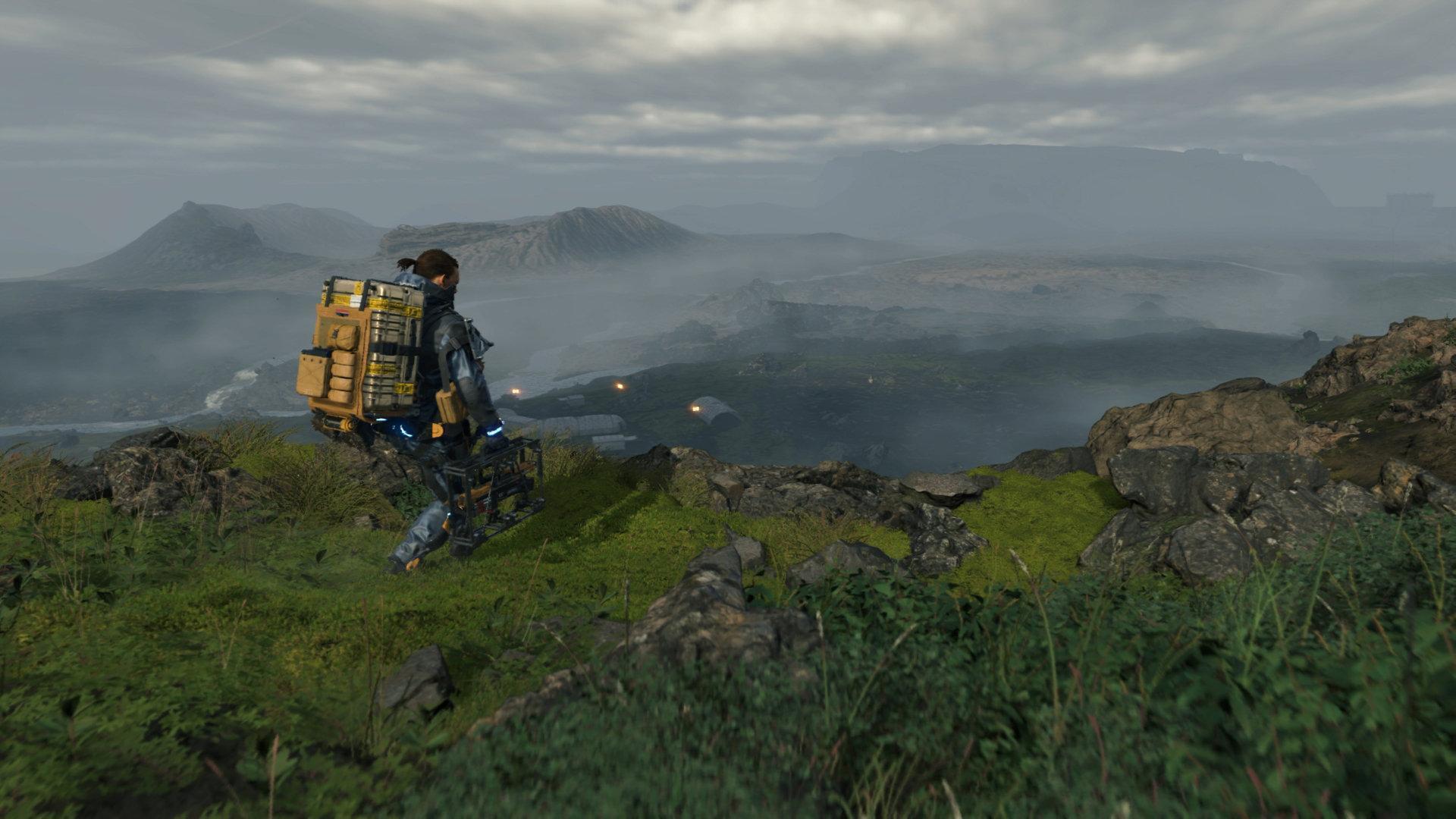 Sam Bridges no alto de uma montanha